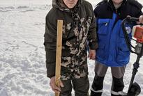 Проведение замеров толщины льда